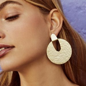 Diane Statement Earrings Gold